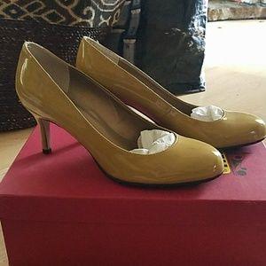 1d5fb0f334f Vaneli Shoes - Vaneli patent leather pumps